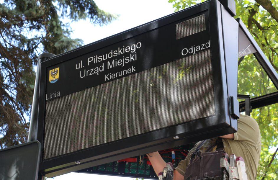 Elektroniczne tablice na przystankach w Nowej Soli