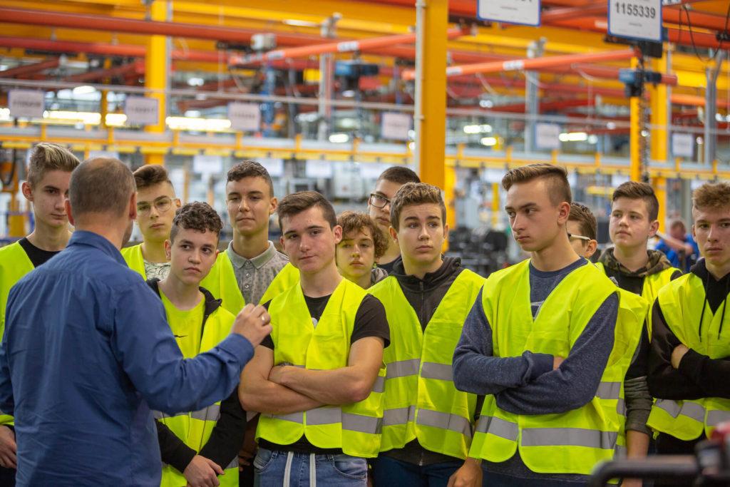 wizyta uczniów elektryka w jost polska