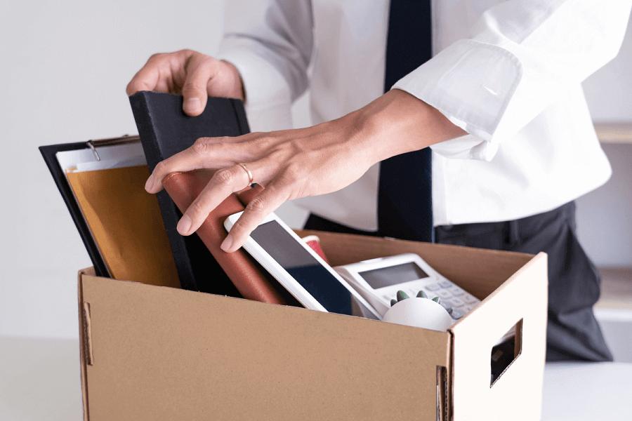 Kiedy przysługuje odprawa po zwolnieniu z pracy?